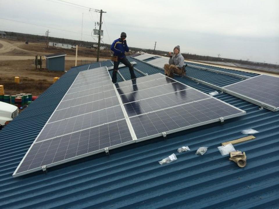 Fort Severn Solar Build